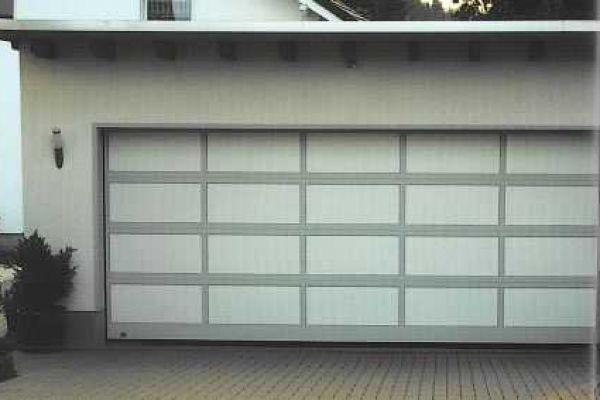 porta-sezionale-in-alluminio17E59447-C25A-D0BA-13A0-9DBB3EFA78DA.jpg